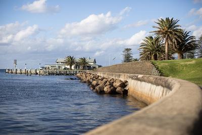 break wall Kiama Harbour